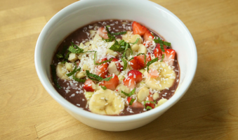 lifewise_kitchen_acai_bowl_feature